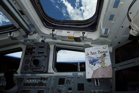 03-le_petit_prince_navette_endeavor__astronaute_philippe_perrin_esa_nasa