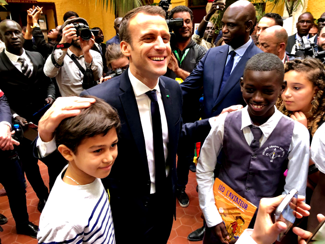 03_Les_jeunes_remercient_le_Président_BR